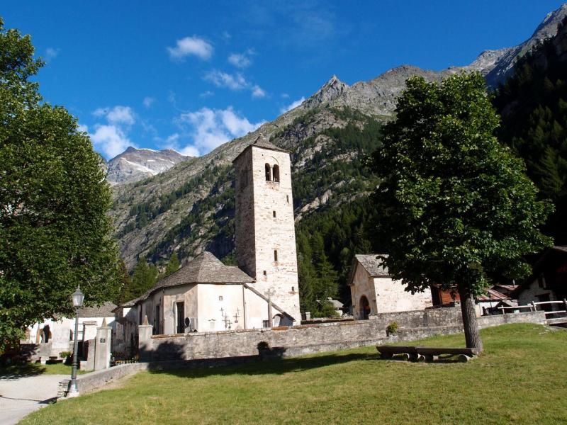 Macugnaga: la chiesa vecchia - foto di Alessandro Pirocchi