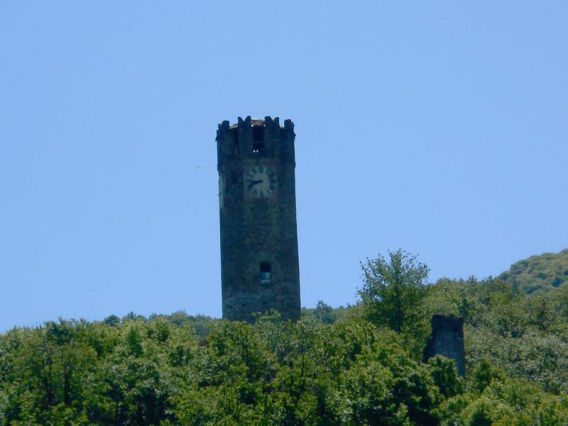La Torre dell'Orologio a Brondello